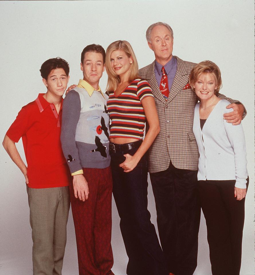 3rd Rock from the Sun starred John, Lithgow, Kristen Johnston, Joseph Gordon-Levitt, Jane Curtin, and French Stewart as a crew of aliens living incognito in Ohio and adjusting to life on Earth. The show ran for a total of six seasons and 139 episodes.  Getty Images