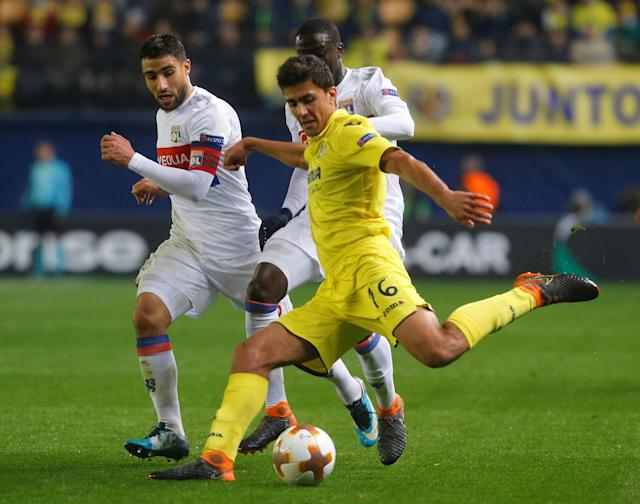Soccer Football - Europa League Round of 32 Second Leg - Villarreal vs Olympique Lyonnais - Estadio de la Ceramica, Villarreal, Spain - February 22, 2018 Lyon's Nabil Fekir in action with Villarreal's Rodri REUTERS/Heino Kalis