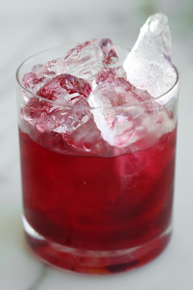 """<p><strong>Get the recipe:</strong> <a href=""""https://www.popsugar.com/food/Easy-Cranberry-Vodka-Cocktail-Recipe-36206797"""" target=""""_blank"""" class=""""ga-track"""" data-ga-category=""""Related"""" data-ga-label=""""https://www.popsugar.com/food/Easy-Cranberry-Vodka-Cocktail-Recipe-36206797"""" data-ga-action=""""In-Line Links"""">cranberry smash cocktail</a></p>"""
