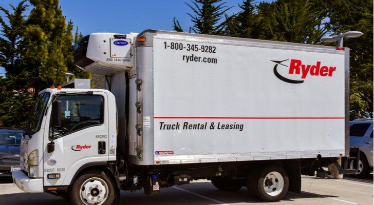 7224e9a2 7 Trucking Stocks to Buy as Retail Markets Shift Into Higher Gear