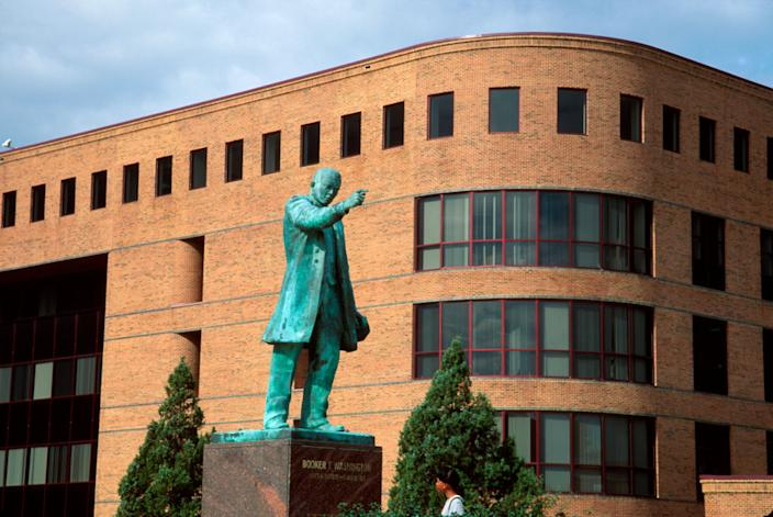 Virginia Hampton University Booker T. Washington Monument William & Norma Harvey Library (Photo by: Jeffrey Greenberg/Universal Images Group via Getty Image)