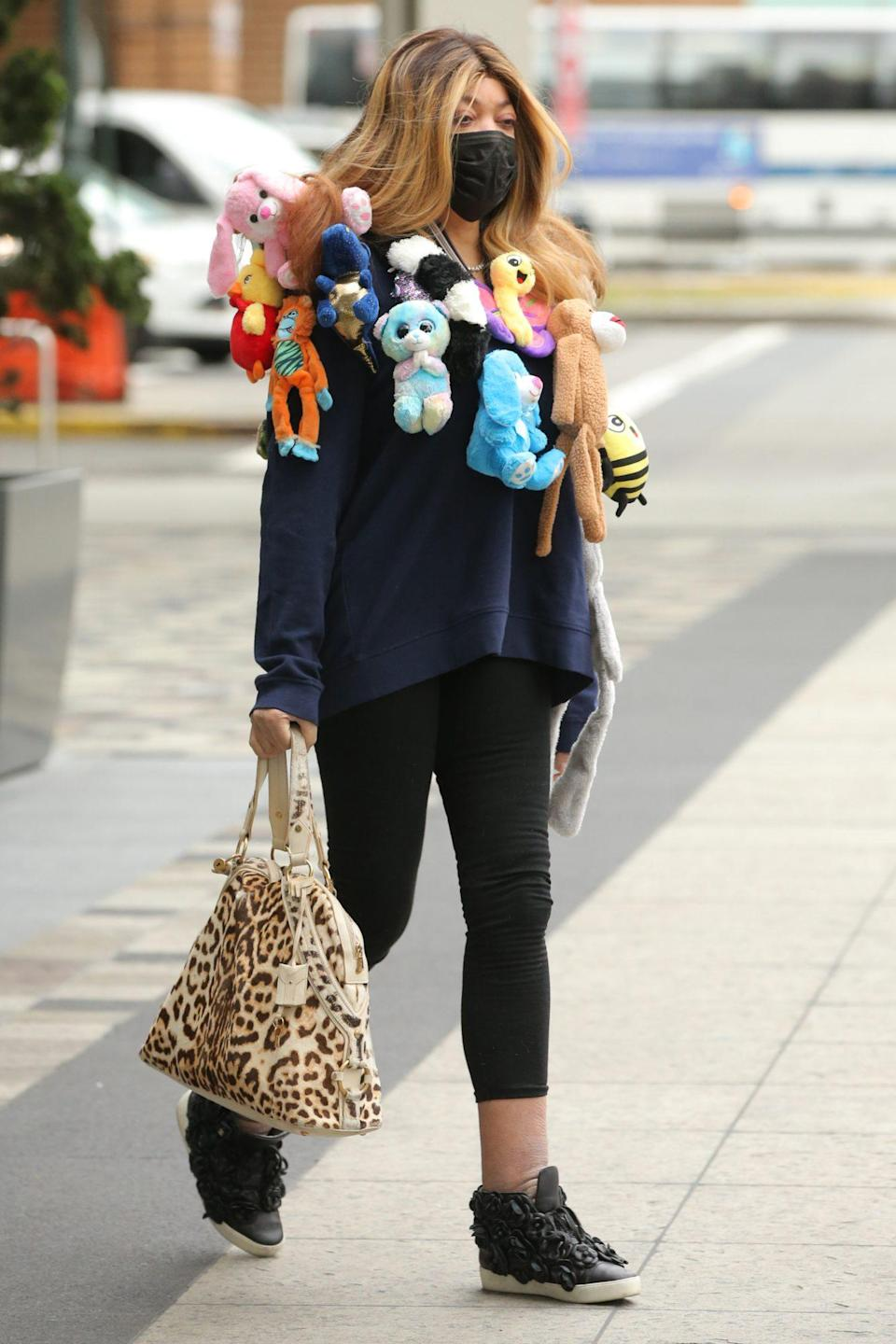 <p>Wendy Williams wears a one-of-a-kind look while out in New York City on Monday.</p>
