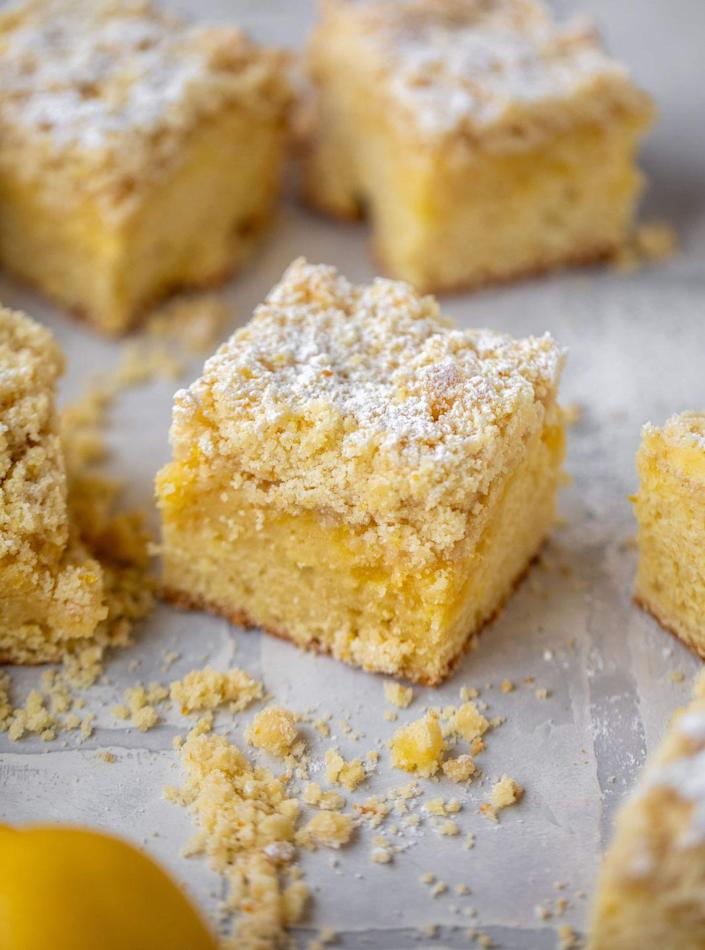 "<p>There's a layer of homemade lemon curd between the dense cake and crumbly top. It's great for brunch or after dinner!</p><p><strong>Get the recipe at <a href=""https://www.howsweeteats.com/2020/05/lemon-crumb-cake/"" rel=""nofollow noopener"" target=""_blank"" data-ylk=""slk:How Sweet Eats"" class=""link rapid-noclick-resp"">How Sweet Eats</a>.</strong></p><p><strong><a class=""link rapid-noclick-resp"" href=""https://go.redirectingat.com?id=74968X1596630&url=https%3A%2F%2Fwww.walmart.com%2Fsearch%2F%3Fquery%3Dbaking%2Bdish&sref=https%3A%2F%2Fwww.thepioneerwoman.com%2Ffood-cooking%2Fmeals-menus%2Fg36066375%2Fmothers-day-cakes%2F"" rel=""nofollow noopener"" target=""_blank"" data-ylk=""slk:SHOP BAKING DISH"">SHOP BAKING DISH</a><br></strong></p>"