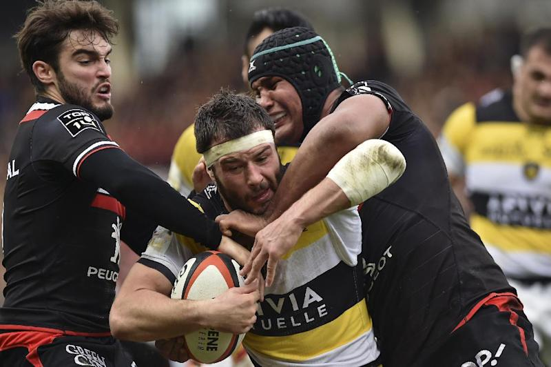 Rugby Union - La Rochelle stun Toulouse to go top