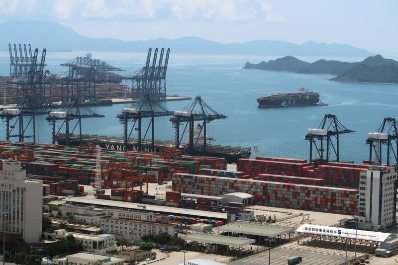 China's August exports seen keeping solid momentum; imports flat - Reuters poll