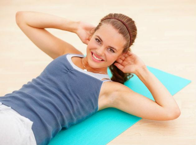 Sit-ups To strengthen the muscles of the abdomen, sit ups are another basic strength training form of exercise. You must, however, be careful not to focus on the neck or back muscles while performing sit ups.