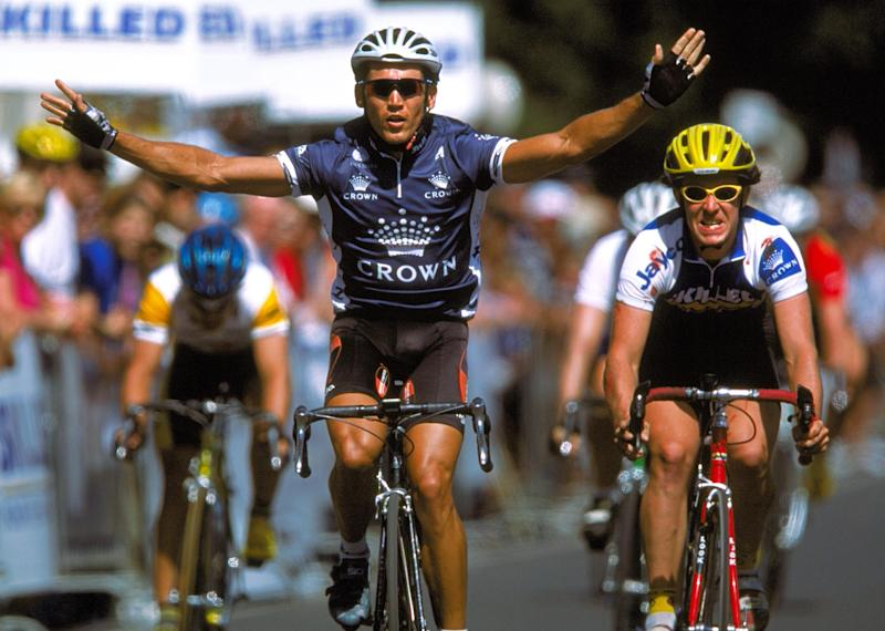 Robbie McEwen wins at the Bay Crits in 2001. While Phil Anderson had to wait until his final season to race as a professional in Australia, McEwen raced on home roads in every one of his 17 seasons in the pro peloton.