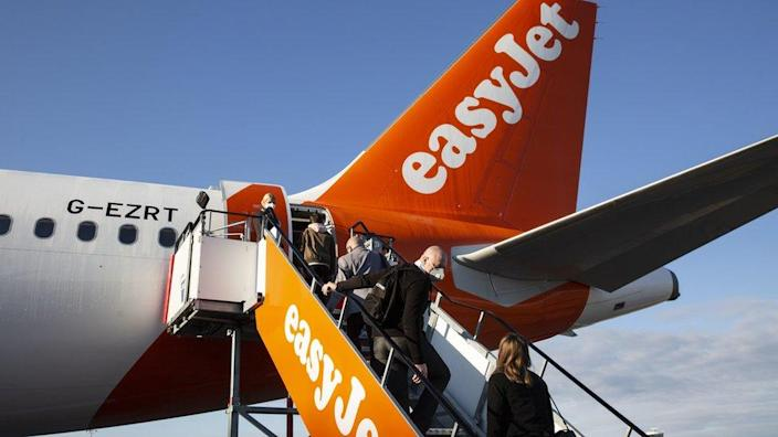 EasyJet and Virgin Atlantic call for reopening of the sky