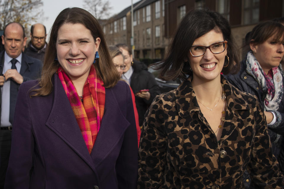 CAMBRIDGE, ENGLAND - NOVEMBER 20: Liberal Democrat leader Jo Swinson (L) and Layla Moran, the Liberal Democrat candidate for Oxford West and Abingdon, visit Trumpington Park Primary School on November 20, 2019 in Cambridge, England. Jo Swinson will launch the Liberal Democrats' manifesto later today. (Photo by Dan Kitwood/Getty Images)
