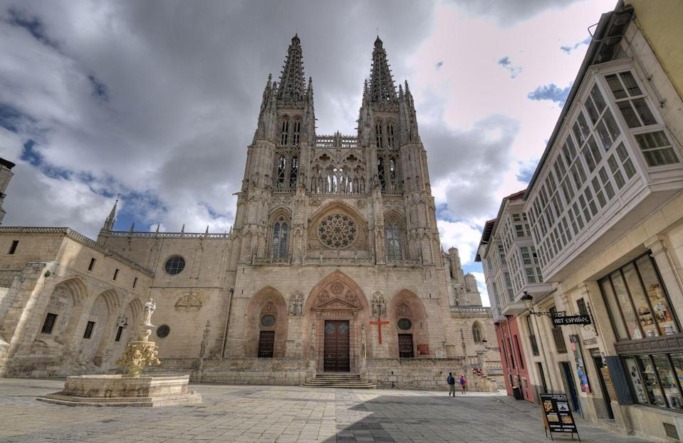 <p>Construction on the Burgos Cathedral began in the 13th century, at the same time as the famous cathedrals in Paris's city center. Located in Burgos's historic city center in the northern Iberian peninsula, the cathedral is designed in the French High Gothic style and has influenced art and architecture since its construction. </p><p>One of its most notable influences was housing a Cathedral workshop in the 15th and 16th centuries, where artists from other parts of western Europe trained Spanish architects and sculptors. It became known as one of the most respectable schools of its time. </p>
