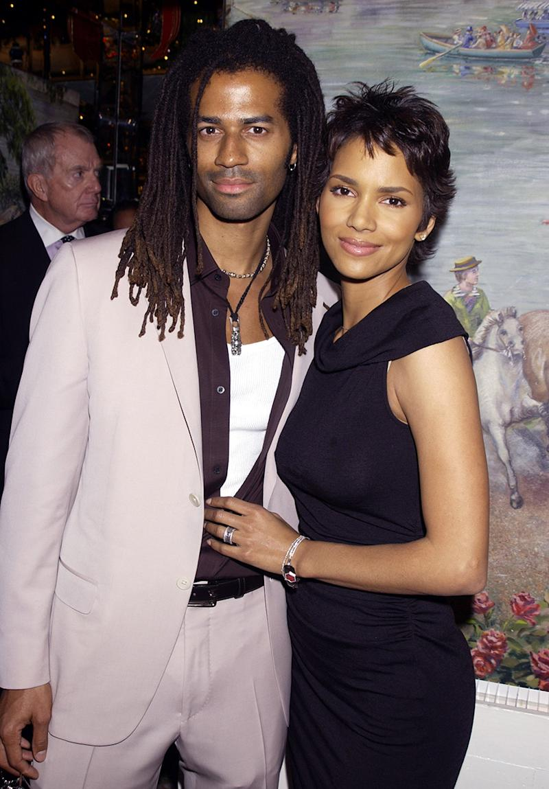 Eric Benét and Halle Berry in 2001. (Photo: Getty Images)