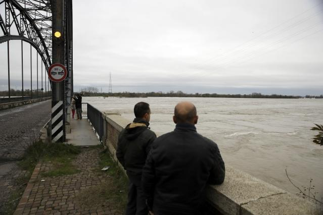 Il Po a Sannazzaro, vicino a Pavia (AP Photo/Luca Bruno).