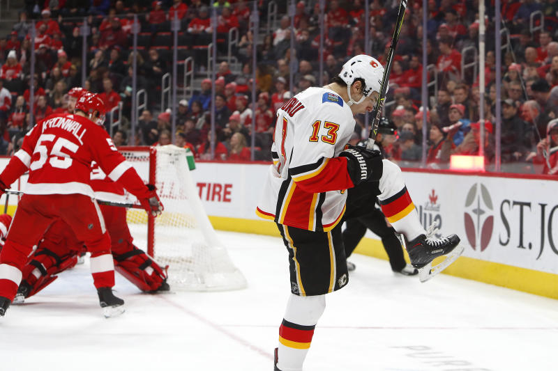 Flames rally for 5-3 win, hand Red Wings 6th straight loss