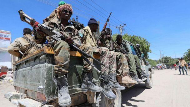 PHOTO: Somali soldiers supporting opposition leaders are seen in the streets of the Yaqshid district of Mogadishu, Somalia, on April 25, 2021. (Feisal Omar/Reuters)