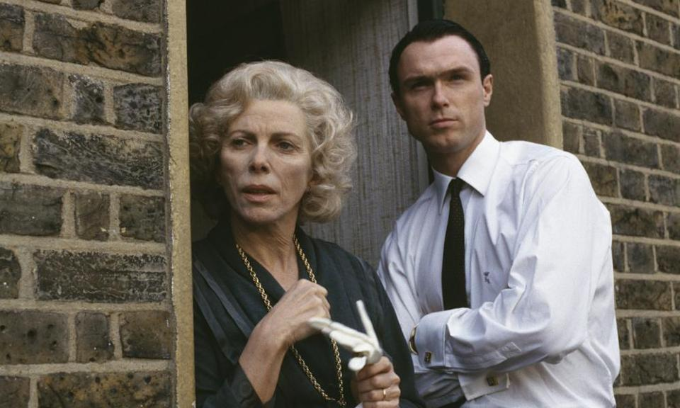 Billie Whitelaw and Gary Kemp Violet Kray and Ronnie, a violent Kray.