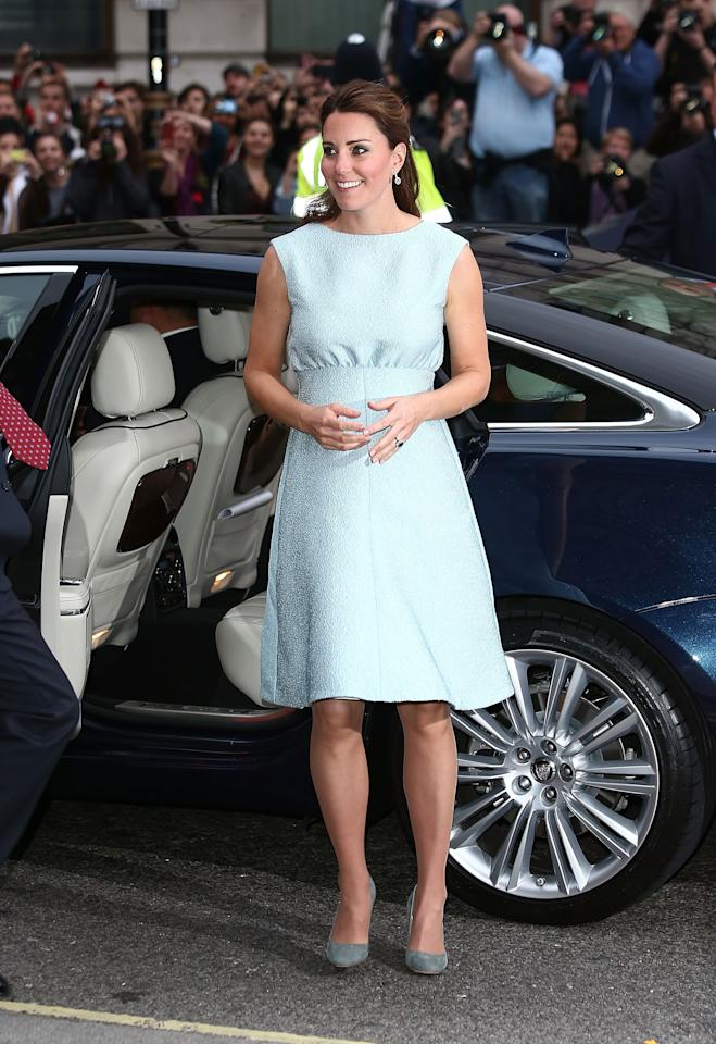 LONDON, ENGLAND - APRIL 24:  Catherine, Duchess of Cambridge attends an evening reception to celebrate the work of The Art Room charity at The National Portrait Gallery on April 24, 2013 in London, England.  (Photo by Tim P. Whitby - WPA Pool/Getty Images)