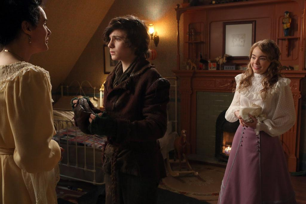 """""""Second Star to the Right"""" - Emma, Mary Margaret and David go in search of Regina when they discover that she - along with some magic beans - have gone missing. But against Neal's protests, Emma still believes that Tamara had something to do with Regina's disappearance; and Mr. Gold contemplates telling Lacey the truth about his ability to conjure magic. Meanwhile, after Rumplestiltskin abandons his son and lets him travel alone through a portal, young Bae finds himself back in 19th century London and is taken in by the Darling family -- befriending their daughter Wendy -- on """"Once Upon a Time."""""""