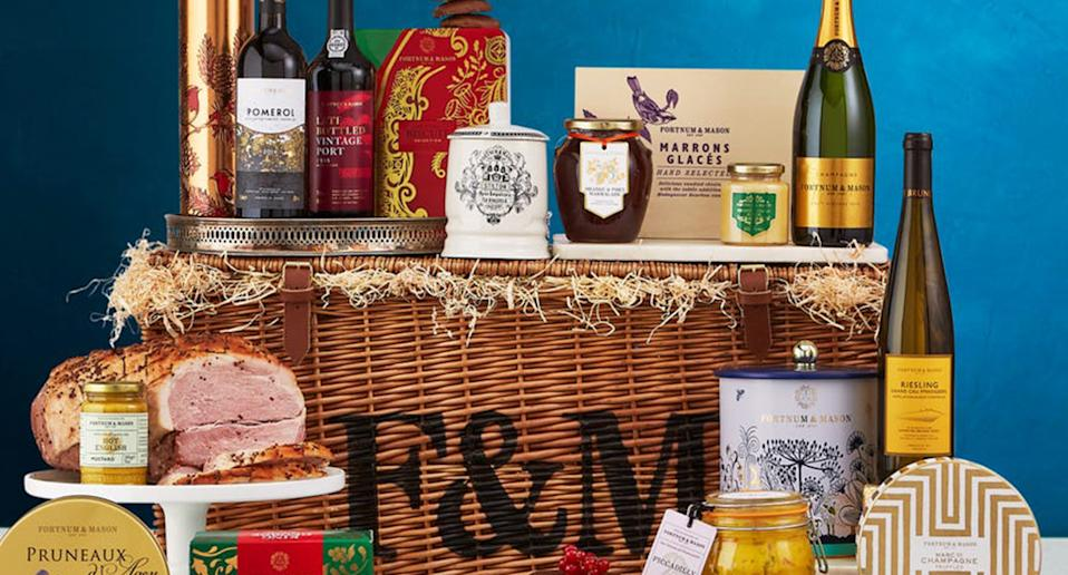 Here's what's inside these luxurious festive offerings. (Fortnum & Mason)