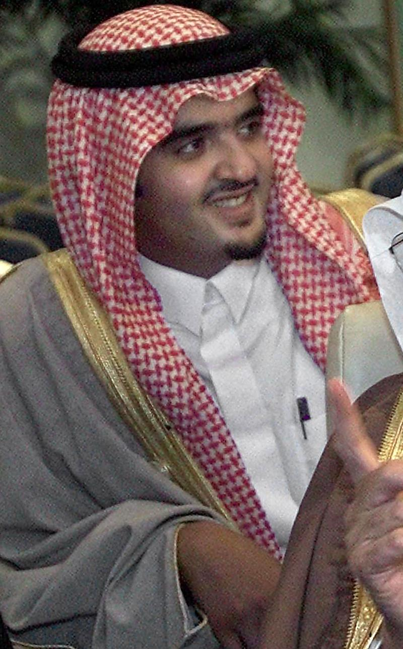 Saudi Prince Abdul Aziz Bin Fahd fell victim to a spectacular armed raid in Paris, losing 250,000 euros in the process