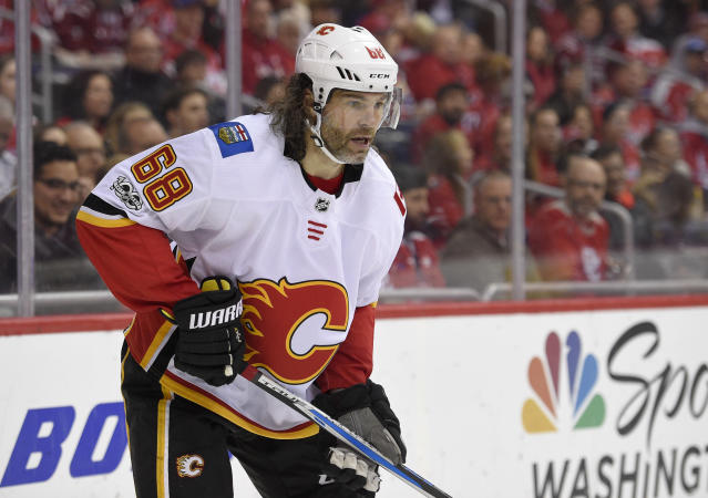 "<a class=""link rapid-noclick-resp"" href=""/nhl/players/35/"" data-ylk=""slk:Jaromir Jagr"">Jaromir Jagr</a> has reportedly played his last game with the <a class=""link rapid-noclick-resp"" href=""/nhl/teams/cgy/"" data-ylk=""slk:Calgary Flames"">Calgary Flames</a>. (AP Photo/Nick Wass)"