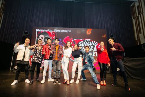 (L-R) BATE, ThomasJack, Zen, Shalma Eliana, Alvin Chong, Fazura and Fattah Amin striking cool poses on stage at the end of the concert.