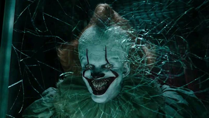 Bill Skarsgård returns as evil clown Pennywise in horror sequel 'It: Chapter Two'. (Credit: Warner Bros)