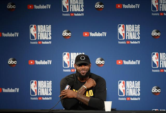 "<a class=""link rapid-noclick-resp"" href=""/nba/players/3704/"" data-ylk=""slk:LeBron James"">LeBron James</a> hilariously took a shot at Bryan Colangelo and his alleged use of burner Twitter accounts at a press conference on Saturday. (Getty Images)"
