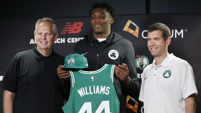Celtics 1st-rounder Williams on missing flight: 'It's all on me'