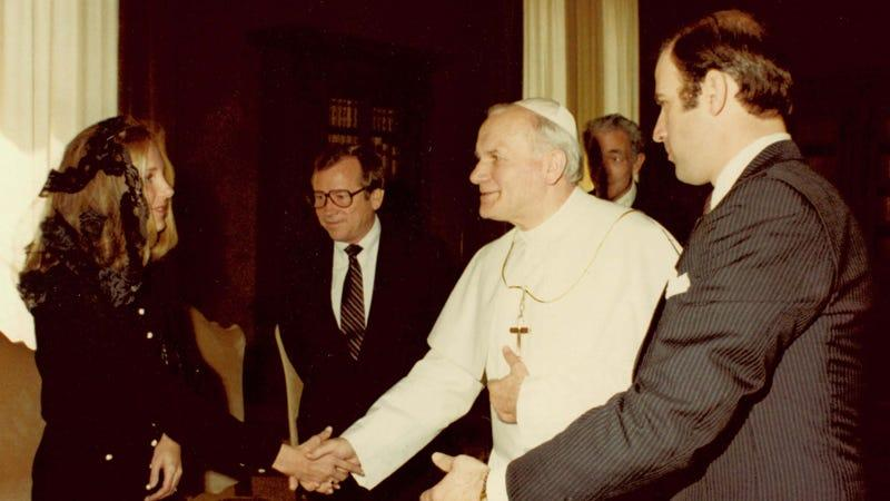 Pope_John_Paul_II_with_Joe_and_Jill_Biden