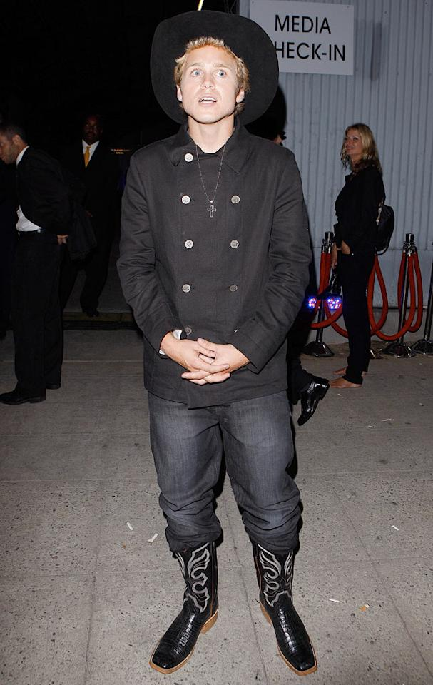 """If Spencer Pratt is going to continue to sport cowboy boots and that hideous hat, maybe he should consider moving to Texas ... permanently ... with Heidi. <a href=""""http://www.x17online.com"""" target=""""new"""">X17 Online</a> - August 12, 2009"""