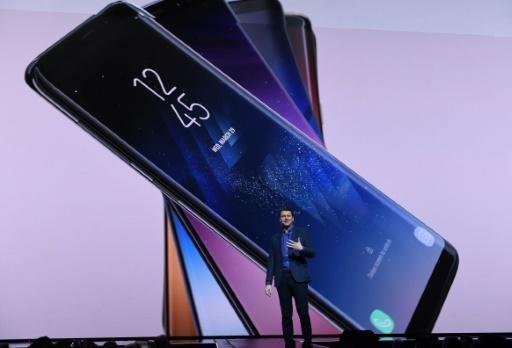 Samsung eyes rebound with Galaxy S8 phones, virtual assistant