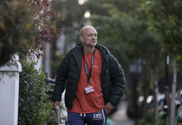 Dominic Cummings returns to his London home after crisis talks with Boris Johnson. Source: Reuters