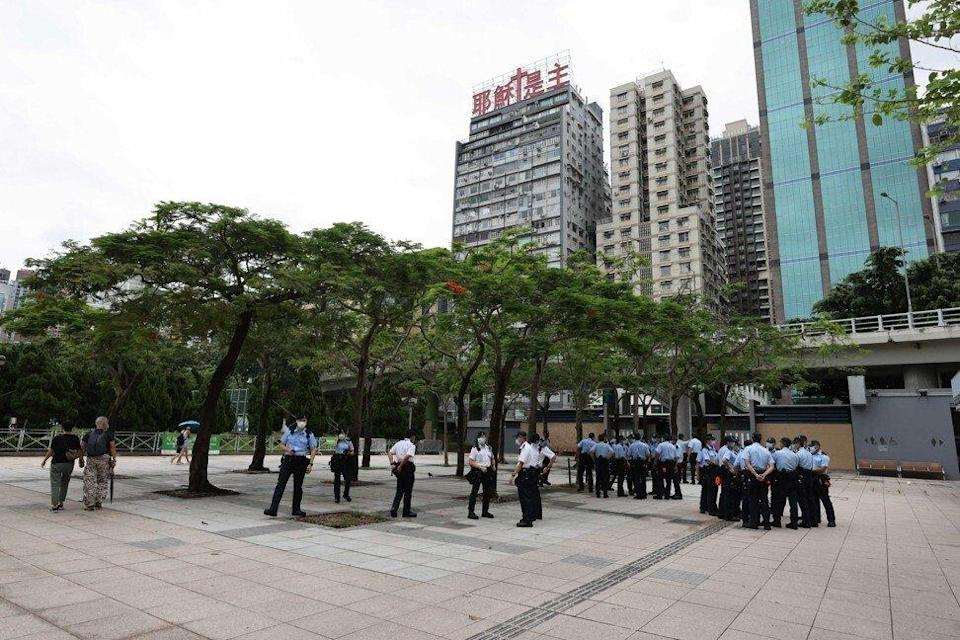 Police started descending on Victoria Park before 2pm. Photo: Nora Tam
