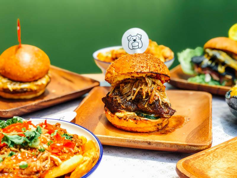 Three Buns bring their diabolically priced/heavenly, satisfyingly sloppy  burgers to The Quayside- kid-friendly
