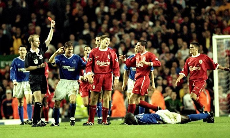 Steven Gerrard is sent off against Everton in 1999