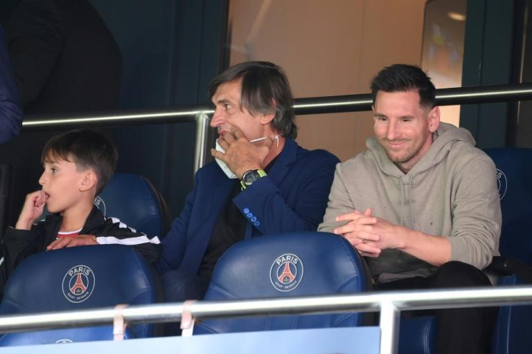 Lionel Messi watched from the stands at the Parc des Princes as PSG beat Clermont 4-0 (AFP/FRANCK FIFE)