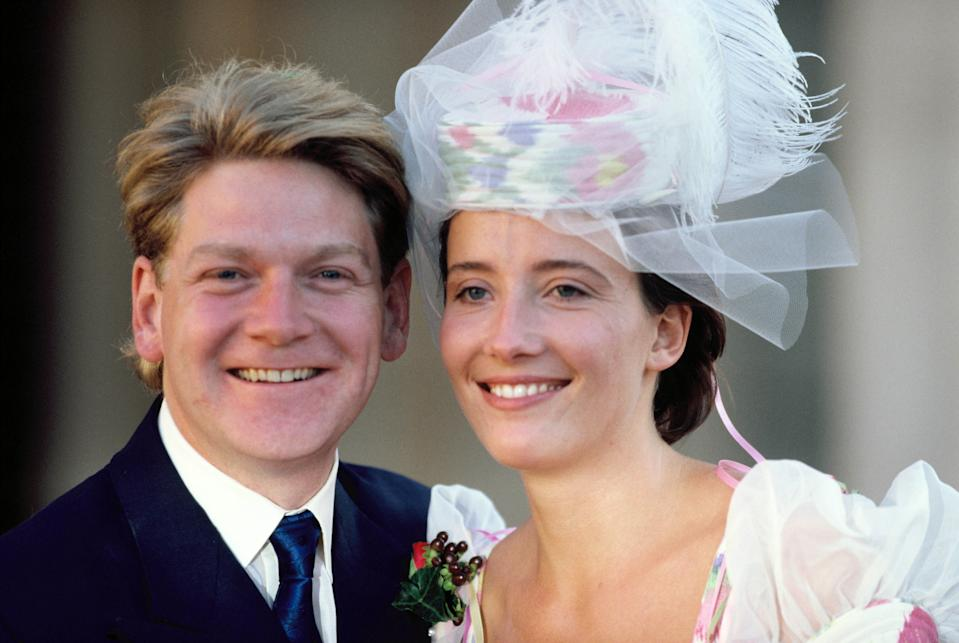 LONDON, UNITED KINGDOM - AUGUST 20: The wedding of actors Kenneth Branagh and Emma Thompson on August 20, 1989 in London, England. (Photo by Georges De Keerle/Getty Images)