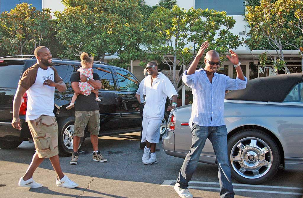 """Who knew that a group of guys could have so much fun shopping? JLM/<a href=""""http://www.splashnewsonline.com/"""" target=""""new"""">Splash News</a> - June 22, 2008"""