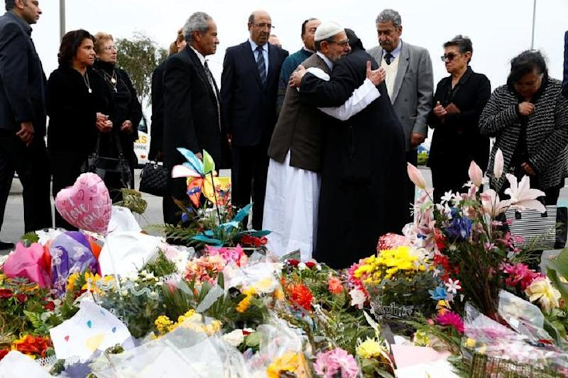 Hundreds of Mourners Gather in Christchurch Cemetery as New Zealand Begins Funerals for Mosque Attack Victims