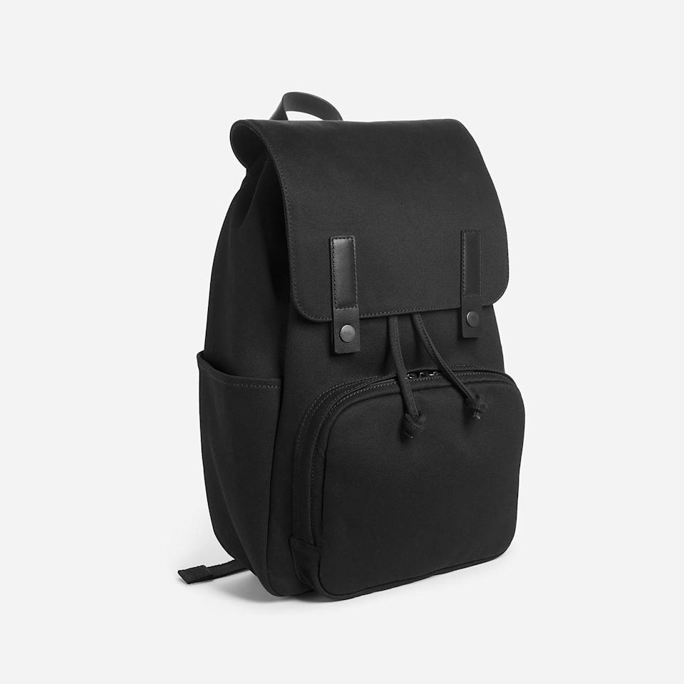 """<h3><h2>Everlane Modern Snap Backpack </h2></h3><br><strong>Under $100</strong><br>Don't try to explain """"direct-to-consumer"""" to your dad — just present him with this top-rated Everlane backpack and permanently alter his briefcase game. (Psst: this one is on sale for a limited time.)<br><br><em>Shop <strong><a href=""""https://www.everlane.com/"""" rel=""""nofollow noopener"""" target=""""_blank"""" data-ylk=""""slk:Everlane"""" class=""""link rapid-noclick-resp"""">Everlane</a></strong></em><br><br><strong>Everlane</strong> The Modern Snap Backpack, $, available at <a href=""""https://go.skimresources.com/?id=30283X879131&url=https%3A%2F%2Fwww.everlane.com%2Fproducts%2Fmens-modern-snap-backpack-black%3F"""" rel=""""nofollow noopener"""" target=""""_blank"""" data-ylk=""""slk:Everlane"""" class=""""link rapid-noclick-resp"""">Everlane</a>"""