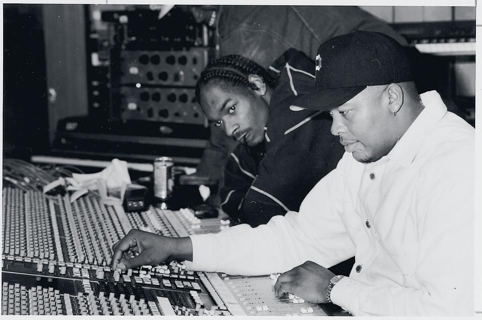 Snoop Dogg and Dr. Dre in 1993.  (Photo: Patrick Downs/Los Angeles Times via Getty Images)