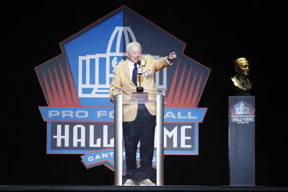 Jerry Jones speaks during the Pro Football Hall of Fame Enshrinement Ceremony at Tom Benson Hall of Fame Stadium on August 5, 2017 in Canton, Ohio. (Photo by Joe Robbins/Getty Images)