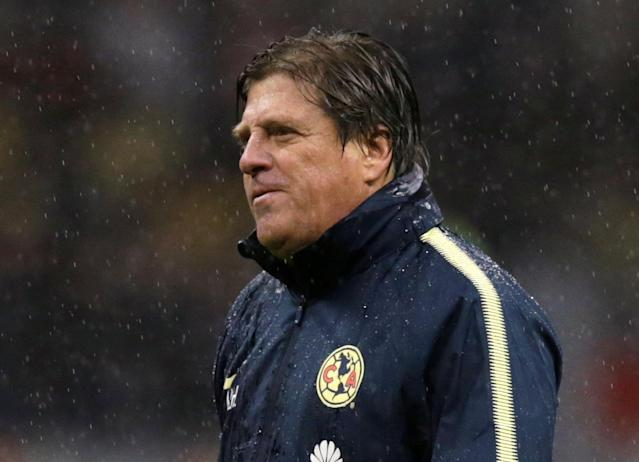 Soccer Football - CONCACAF Champions League - Club America v Toronto FC - Azteca stadium, Mexico City, Mexico - April 10, 2018 - Head coach Miguel Herrera of Club America leaves the field after the match. REUTERS/Henry Romero