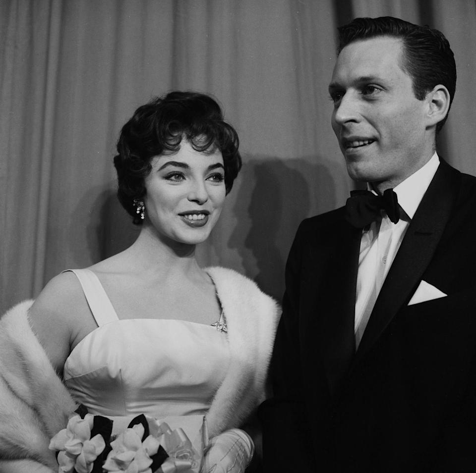 <p>Joan Collins at the Academy Awards in Los Angeles, 1956.</p>