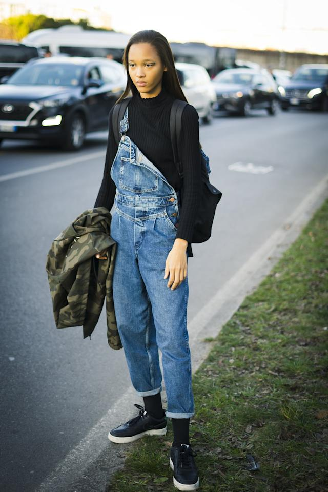 <p>Keeping one strap down and unbuckled is definitely the fashion girl way. </p>