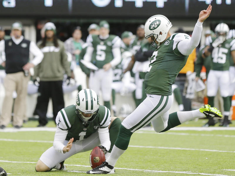 New York Jets kicker Nick Folk (2) kicks a field goal during the first half of an NFL football game against the New Orleans Saints Sunday, Nov. 3, 2013, in East Rutherford, N.J. (AP Photo/Mel Evans)