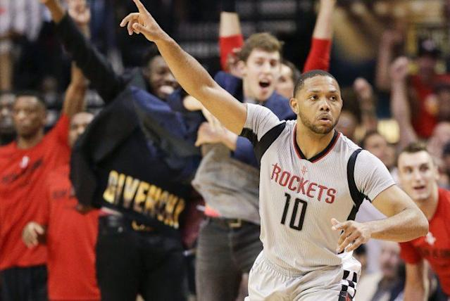 """<a class=""""link rapid-noclick-resp"""" href=""""/nba/players/4469/"""" data-ylk=""""slk:Eric Gordon"""">Eric Gordon</a> and the Rockets enforced their style and got hot from long range to win Game 4. (AP)"""