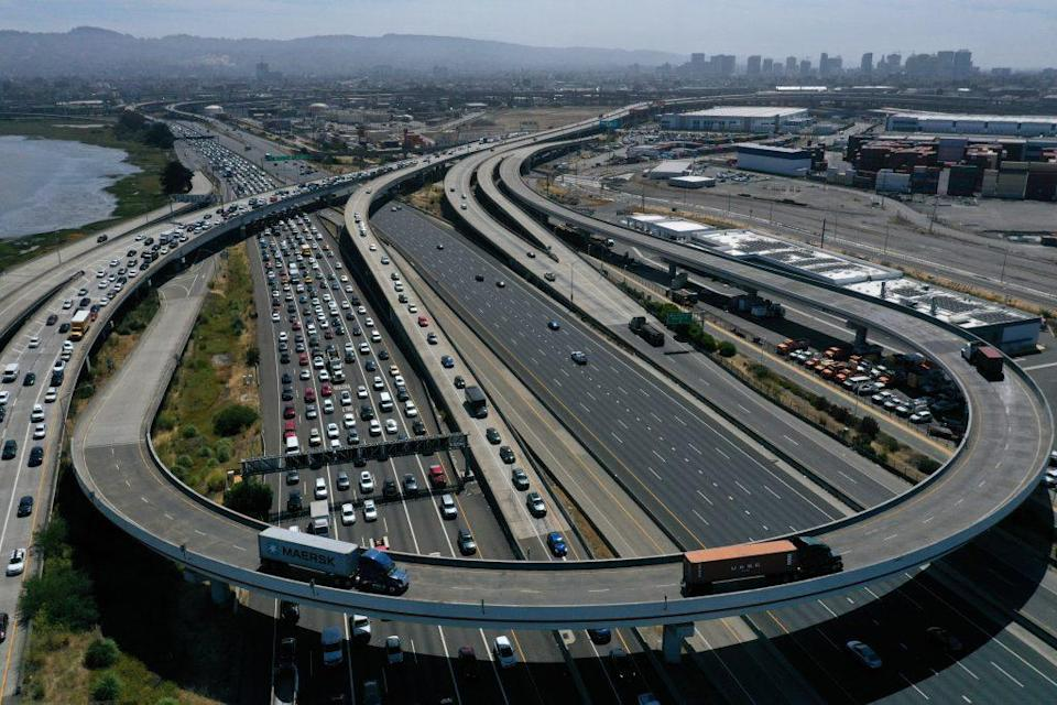 Traffic backs up at the San Francisco-Oakland Bay Bridge toll plaza along Interstate 80 on July 25, 2019 in Oakland, California. (Photo by Justin Sullivan/Getty Images)