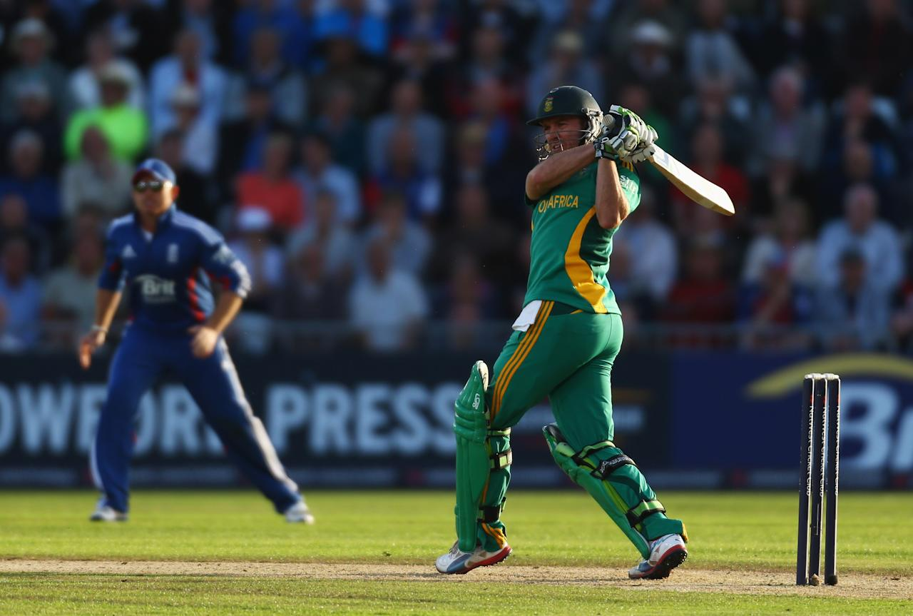 NOTTINGHAM, ENGLAND - SEPTEMBER 05:  AB de Villiiers of South Africa hits out during the Fifth NatWest Series One Day International match between England and South Africa at Trent Bridge on September 5, 2012 in Nottingham, England.  (Photo by Paul Gilham/Getty Images)