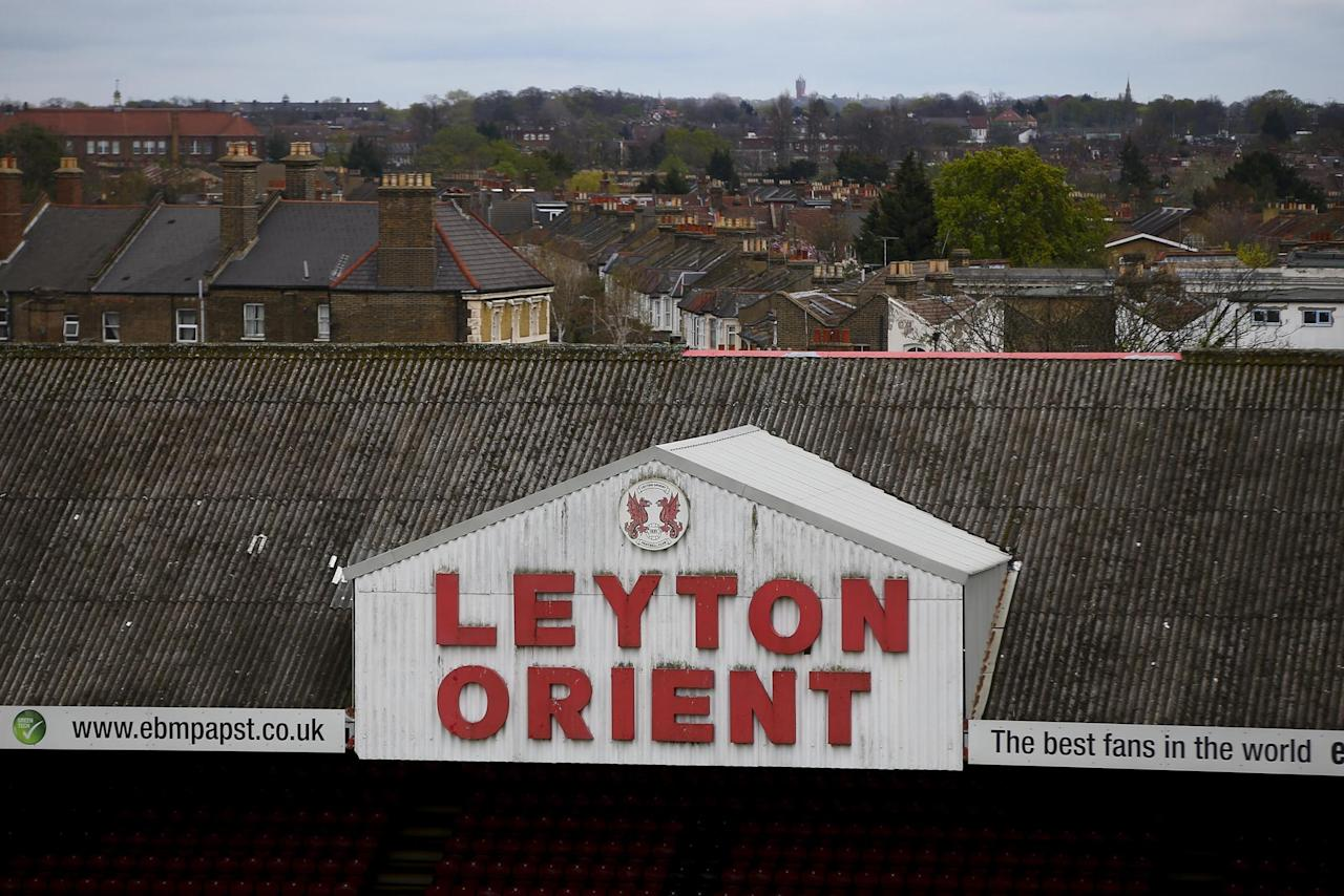 Omer Riza reapplies for manager's job at Leyton Orient